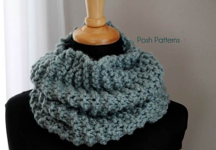 Easy Cowl Knitting Patterns : Easy Cowl Free Knitting Pattern - Posh Patterns