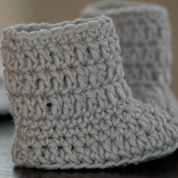 free crochet baby boots pattern